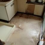 洗面台の入れ替えと、床板張替えを小倉北区にて